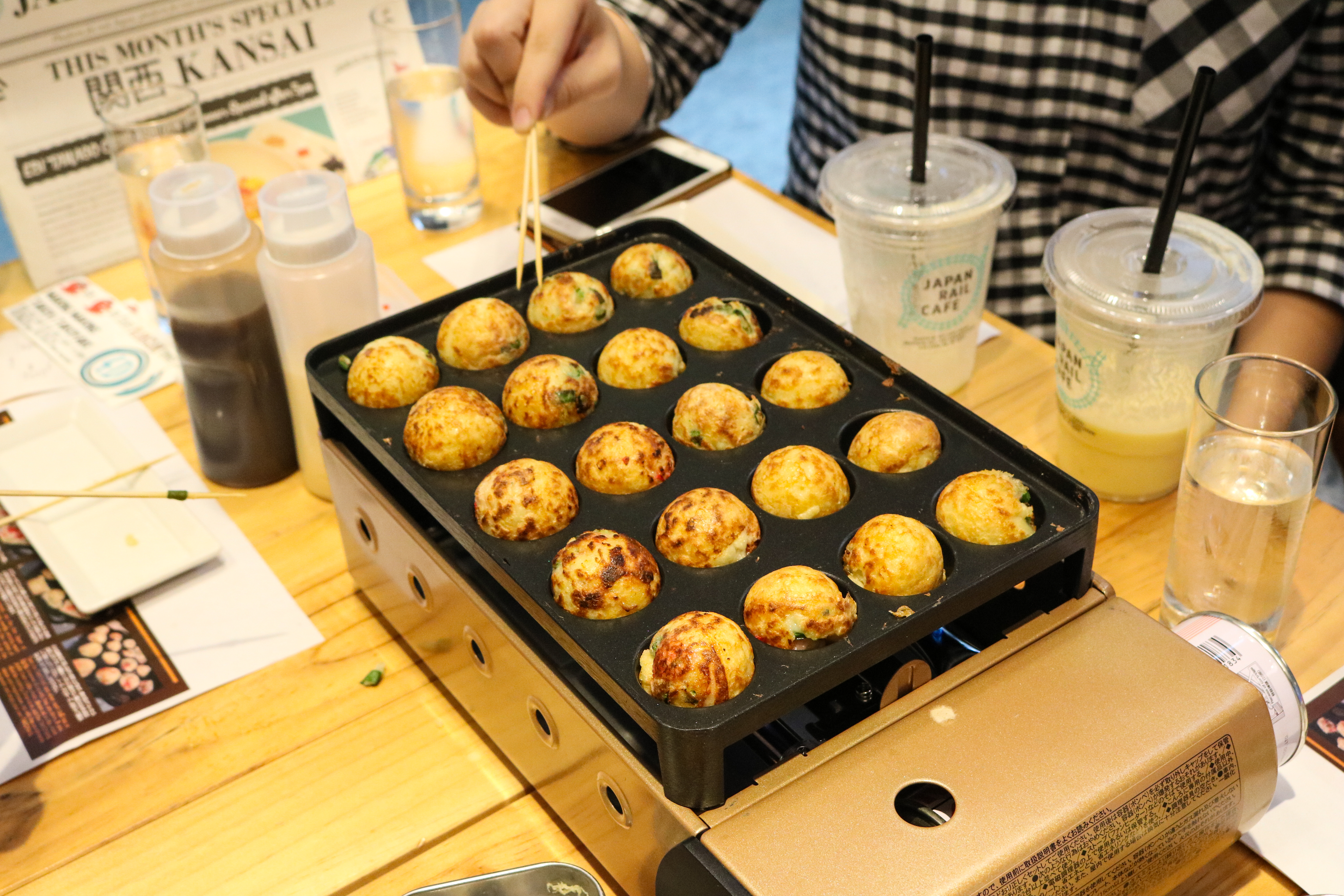 Perfectly round takoyaki! Looks so yummy!